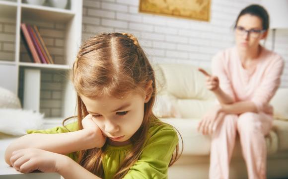 親の褒め方・叱り方が、こどもの人格形成に与える影響