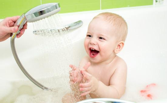 赤ちゃんとシャワー