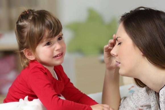 上の子の赤ちゃん返りにうんざりするママ