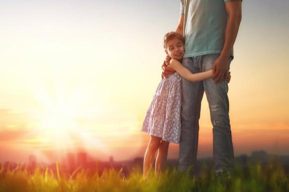 転園ストレスを抱えている子供をケアしている親