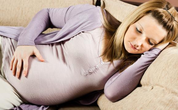 妊娠中で息苦しくて眠れない妊婦さん