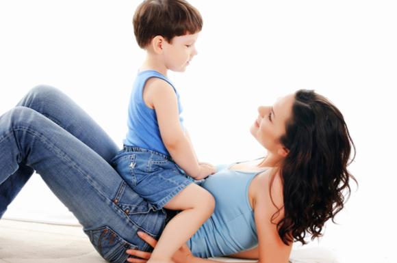 子供にダメな理由をしっかりと諭している親