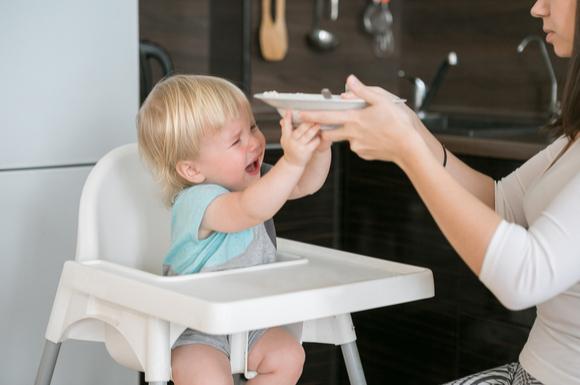 離乳食を食べてくれない赤ちゃんの様子
