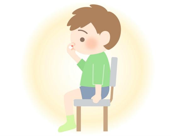 鼻血が出たときの正しい対処法
