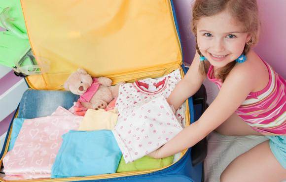 荷造りする子供