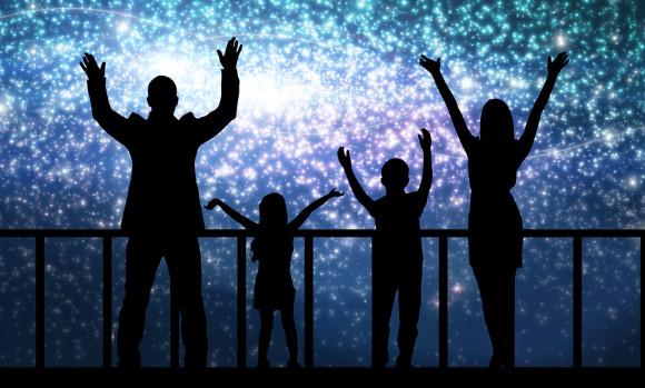 天体観測する家族
