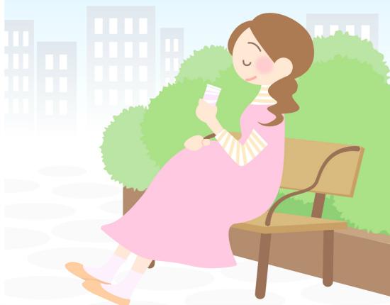 お出かけ中に貧血になった場合は椅子に座って休憩しましょう