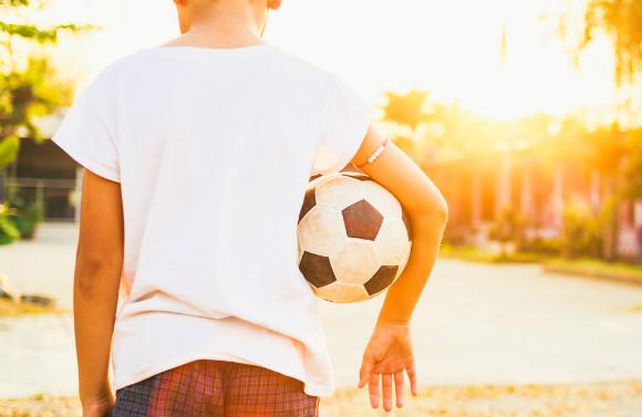 プロサッカー選手を目指す子供