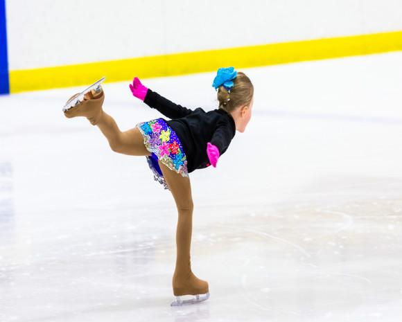 スケート教室に通う子供