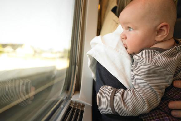 赤ちゃんの特急電車の旅