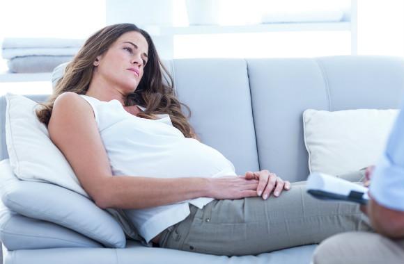 膣カンジダで悩む妊婦さん