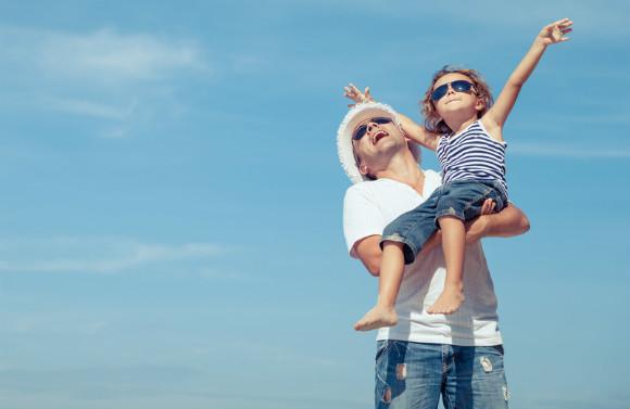 夏休みを楽しく過ごしている親子