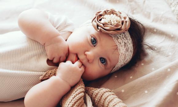 4ヵ月の赤ちゃんのかわいらしい姿