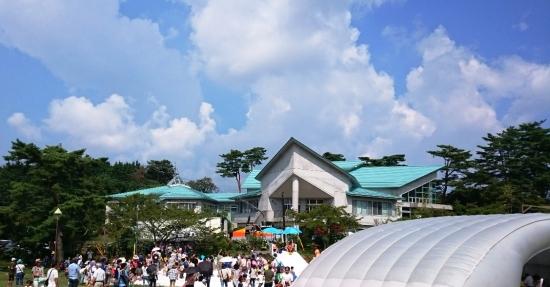 広島の公園とカフェ-1013-1
