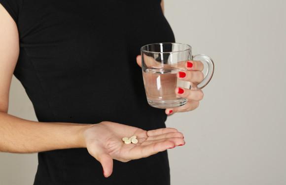 妊活にサプリメントを取り入れている女性