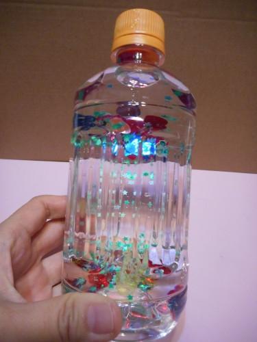 ペットボトルのスノードームの作り方の手順3
