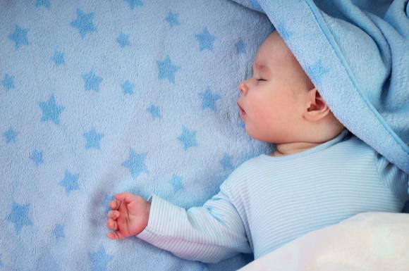 寝相が悪い赤ちゃん