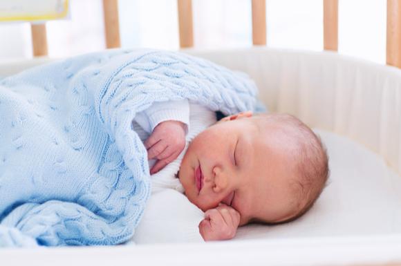 なかなかお昼寝から目覚めない赤ちゃん
