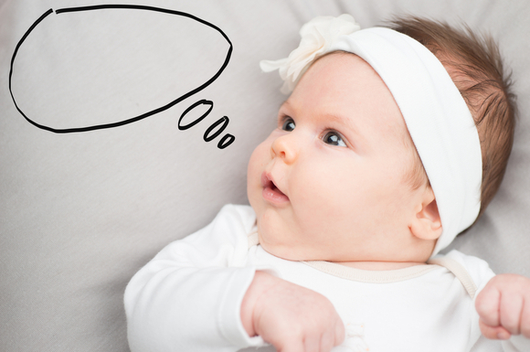 クーイングしている赤ちゃん
