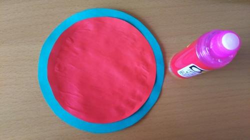 折り紙でスイカを作っている手順4