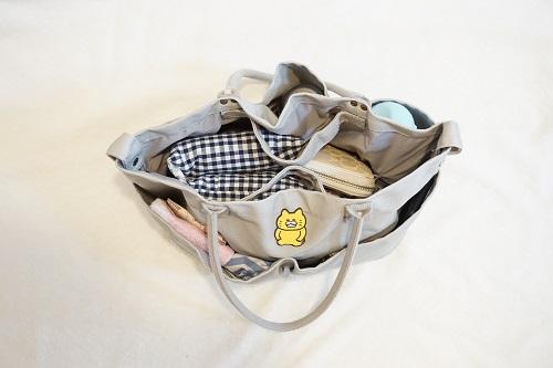 ニトリのマザーズバッグに普段の鞄の中身を入れた様子