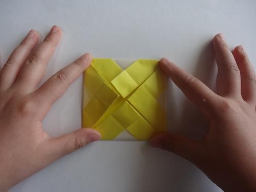 折り紙でお花を折る手順8