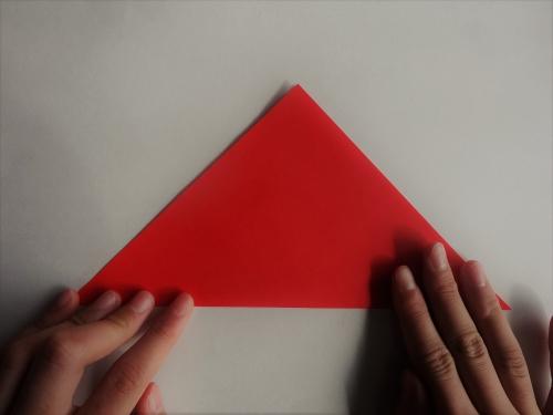 折り紙でバラを折る手順1