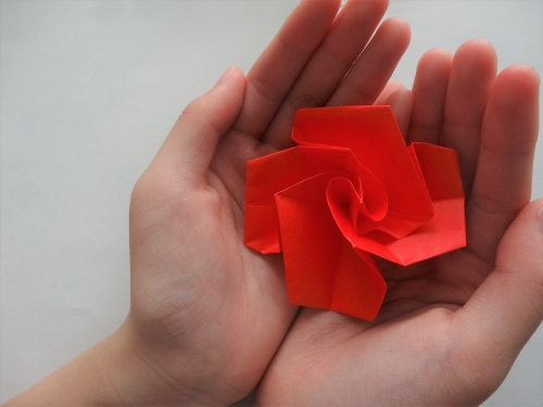 折り紙でバラを折る手順15
