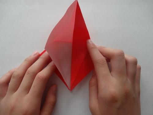 折り紙でバラを折る手順7