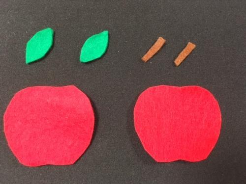 フェルトでリンゴのおもちゃを作る手順