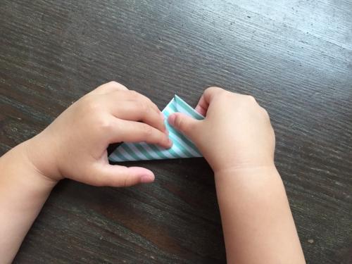 折り紙でネクタイを折る手順