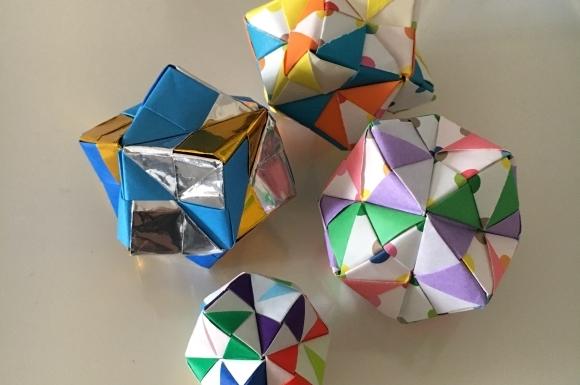 折り紙のくす玉画像