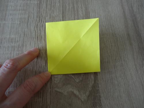 ちょうちょを折り紙で折る手順の画像