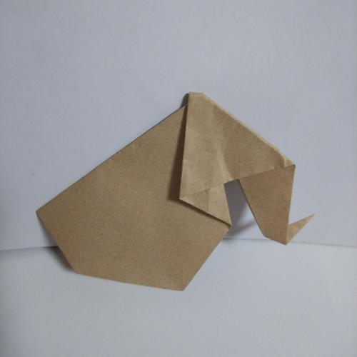 折り紙で象を折る手順の画像