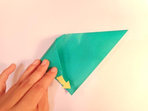折り紙でコーン付きのアイスクリームを折る折り方の手順画像
