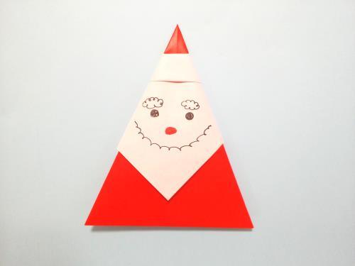 折り紙でサンタクロースを簡単に折る折り方の手順の画像