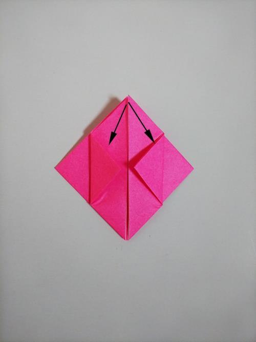 """折り紙で電車を折る折り方の手順の画像"""" width="""
