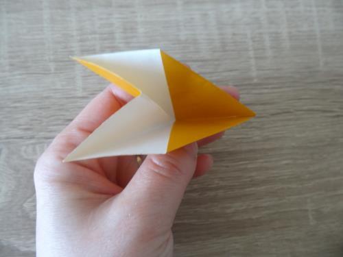 折り紙でドーナツを折る折り方の手順画像