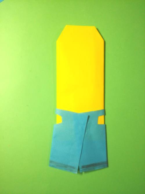 折り紙でミニオンズを折る折り方の手順画像