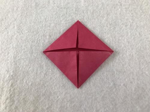 折り紙でバラを折る折り方の手順画像