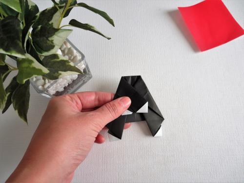 折り紙でディズニーキャラクターを折る折り方の手順画像