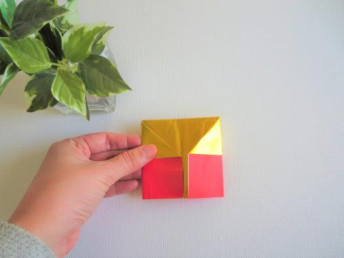 折り紙で色々な帽子を折る折り方の手順画像