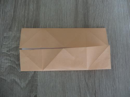 折り紙でテーブルを折る折り方の手順画像