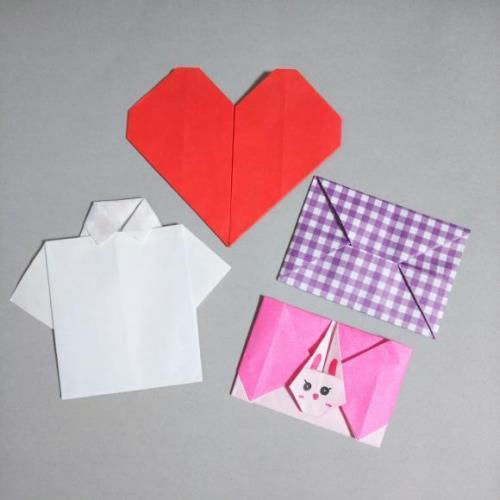 折り紙でパパに向けて折ったハートやYシャツの手紙の画像
