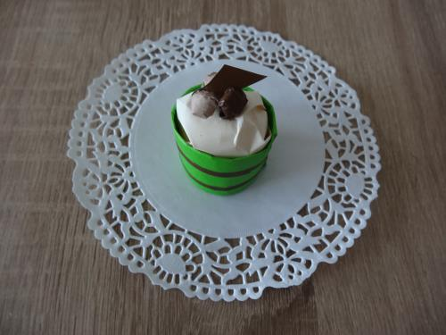 ティッシュでケーキを可愛く作る作り方の手順画像
