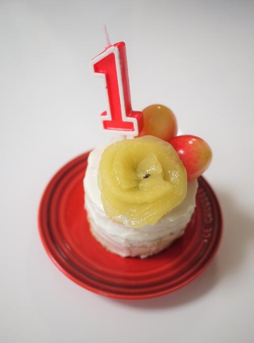 食パンで作った1歳のお誕生日ケーキ