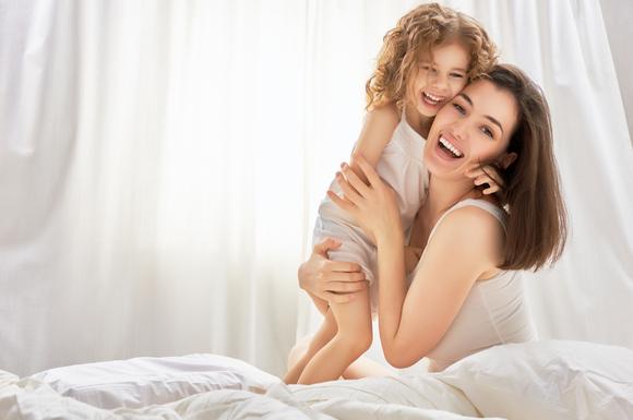 子供に日認知能力を付けようと教育しているママ