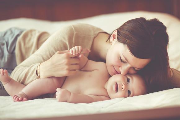 自分流の赤ちゃん育児をしていていきいきしているママ