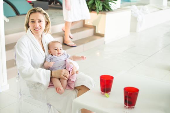 温泉デビューしている赤ちゃん