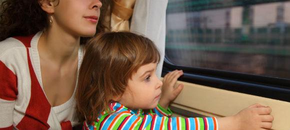 「子供連れの電車通勤」の画像検索結果